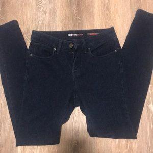 style &Co dark wash jegging size 4